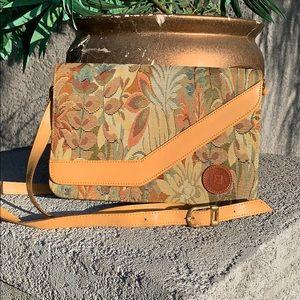 Vintage Style FENDI ROMA 1925  Bag 👌